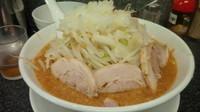「味噌 豚2枚(野菜普通、辛い仕様)700円」@らうめん さぶ郎の写真