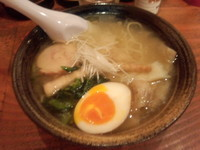 「鶏塩海老ワンタンメン(880円)」@麺や 藤井の写真