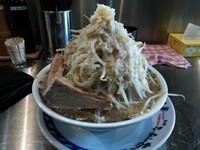 「らーめん(ヤサイアブラ、ニンニク少なめ)¥680」@らーめん大 京都深草店の写真