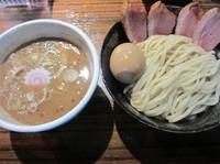 「限定 鰯に乗ったトリトンつけ麺(780円)+トッピング」@麺や 而今 大東本店の写真