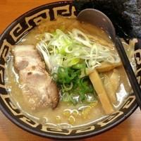 「鶏白湯醤油らーめん」@麺恋 佐藤 澄川本店の写真