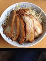 「小豚ラーメン➕中盛(サービス)」@常勝軒 千葉本店の写真