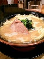 「ラーメン650円」@濃厚豚骨醤油ラーメン 太龍軒 恵比寿本店の写真