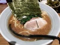 「魚介ラーメン680円+半ライス50円」@横浜家系濃厚とんこつラーメン 竹取家の写真