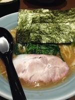 「ラーメン (並) 680円」@横浜家系濃厚とんこつラーメン 竹取家の写真