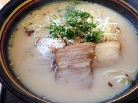 「豚骨醤油ラーメン」@一本道の写真