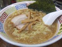 「正油豚骨ラーメン:¥700」@麻布ラーメン 慶応三田店の写真