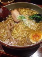 「白湯しお+大盛り+ギョウザ+ライス」@麺屋 雄の写真