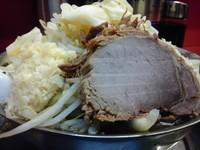 「ラーメン 700円 麺山盛り、野菜と魚粉を多め、にんにく普通」@麺でる 田園調布本店の写真