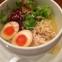 「半熟味玉 鶏白湯麺(プチごはん付き)@850」@鶏白湯麺 蔭山 高田馬場店の写真
