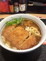 「カツカレーうどん590円」@なか卯 東京駅北口店の写真