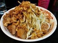 「カレー油そば(ヤサイチーズ)(期間限定)¥700」@自家製太麺 ドカ盛 マッチョ 三ノ宮店の写真