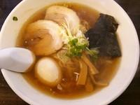 「醤油らーめん+煮玉子」@ラーメンわをんの写真