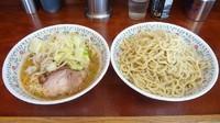 「小ラーメン(650円)+つけ麺(150円)ニンニク」@ラーメン二郎 めじろ台法政大学前店の写真