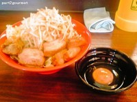「ブタメン(中)豚マシ+生たまご「ヤサイニンニク」(850円)」@恵比寿ブタメンの写真