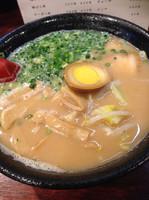 「豚骨醤油ラーメン  並」@麺処 憙彩の写真