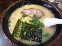 「博多ラーメン 600 円」@博多ラーメン 長浜や 笹塚店の写真