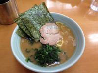 「らーめん 600円」@横浜ラーメン 武蔵家 西千葉店の写真