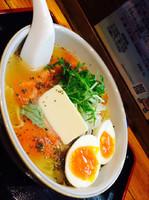 「とまとらーめん+味玉」@麺ぽーかろぅの写真