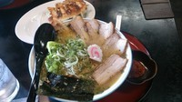 「辛味噌半チャーシュー麺」@寅真らーめんの写真