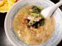 「ワンタンメン(塩)」@中華料理 嵐山の写真
