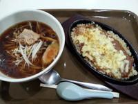 「Aセット(ミニ醤油らーめん+焼きカレー小)690円」@電気舘食堂の写真