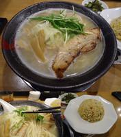 「『味玉鶏そば(¥750)と焼き飯ランチセット(¥200)』」@とりの助 坂戸にっさい店の写真