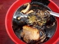「富山ブラックラーメン」@麺家いろは 砺波店の写真
