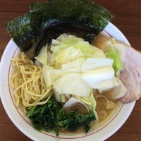 「らーめん並盛¥680円(キャベツTPサービスCP)」@横浜らーめん 初代 常翔家の写真
