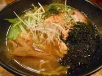 「鮭と焼海苔の中華そば」@北海道ラーメン るるも 長野駅前本店の写真
