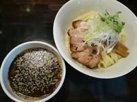 「【限定】焦がしにんにくと胡麻のつけ麺¥900」@らーめん こてつの写真