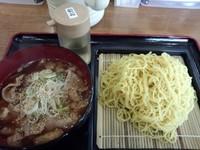 「肉つけ汁中華麺(中盛)550円」@なすびの写真