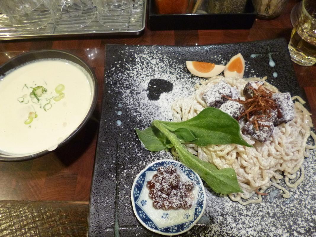 鮭や柿を使った変わり種つけ麺は試す価値あり!飯田橋・市ヶ谷周辺のおすすめラーメン屋5選