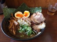 「花銀ラーメン全のせ930円」@らーめん つけ麺 花銀の写真
