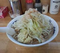 「ラーメン普通盛り(700円)野菜ニンニクアブラ」@ラーメン豚義の写真