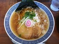 「中華そば 日向」@麺やマルショウ 豊中本店の写真