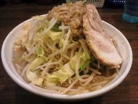 「爆麺中750円」@爆麺亭 所沢店の写真