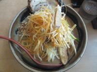 「北海道肉ねぎラーメン820円(クーポンでチャーシュー無料)」@麺場 龍吟の写真