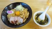 「一平ソバ中(670円)+生卵(60円)+スープ(60円)」@油ソバ専門店 一平ソバの写真