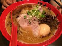 「味玉旨リッチラーメン」@麺や でこの写真