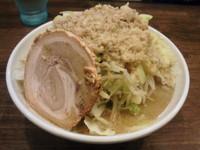 「爆麺中750円全マシ」@爆麺亭 所沢店の写真