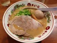 「半熟玉子&チャーシューメン(1030円)」@天下一品 五反田店の写真