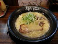 「神虎らーめん・・690円」@麺's room 神虎 肥後橋店の写真