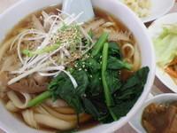 「牛モツ刀削麺+半炒飯セット」@聚香閣の写真