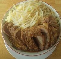 「らーめん(中)(豚一本):1300円」@肉汁らーめん 公 kimiの写真