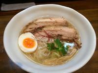 「鶏煮干しらーめん  塩  750円」@とんこつ屋 秀虎の写真