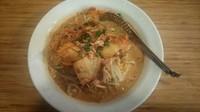 「ピリ辛鶏キムチのゴマ冷やし麺」@らーめんともや 藤岡西店の写真