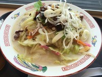 「ピリ辛肉味噌チャンポン【1050円】」@潮亭の写真