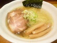 「塩らぁめん」@上州地鶏ラーメン 翔鶴の写真