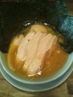 「ラーメン(全部のせ)」@横浜醤油豚骨ラーメン 銀十の写真